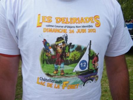 Quel homme fort porte le tee shirt des Déliriades 2012