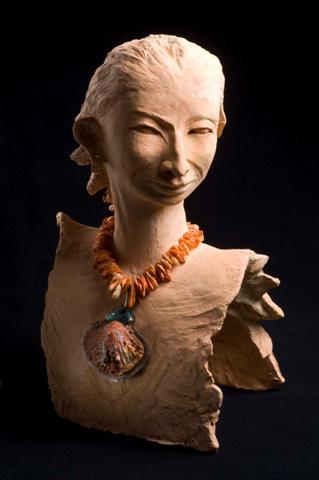 Femme d'Amazonie avec le Spontylus