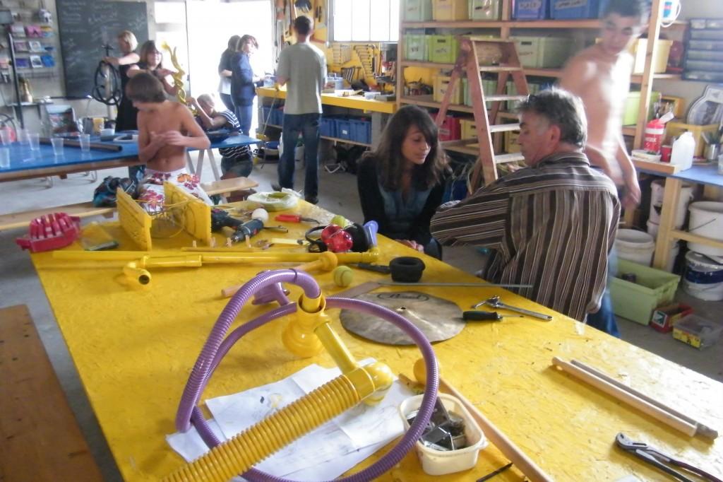 Atelier de fabrication d'instruments à la Minoterie