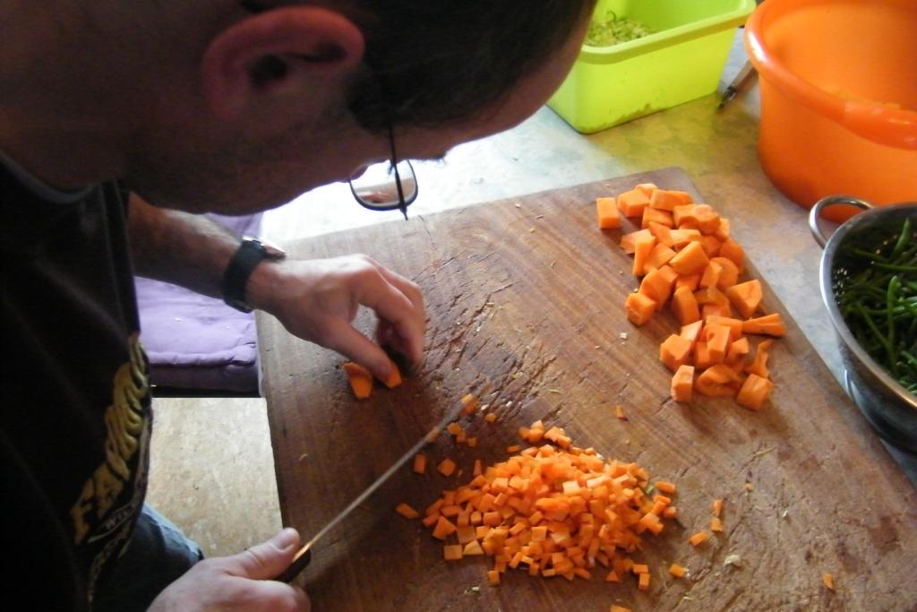 Alexis, les légumes et ses couteaux